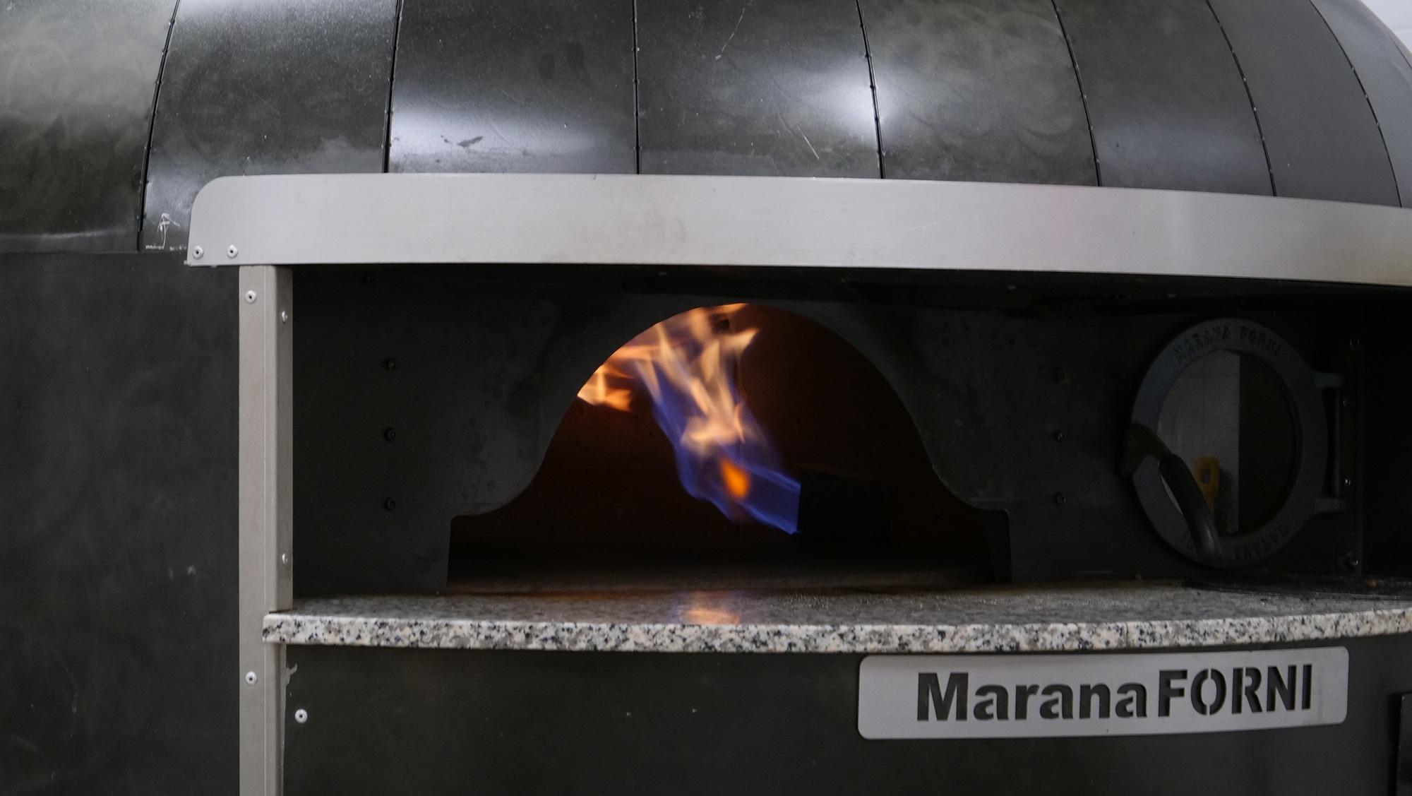 Photo four avec flammes
