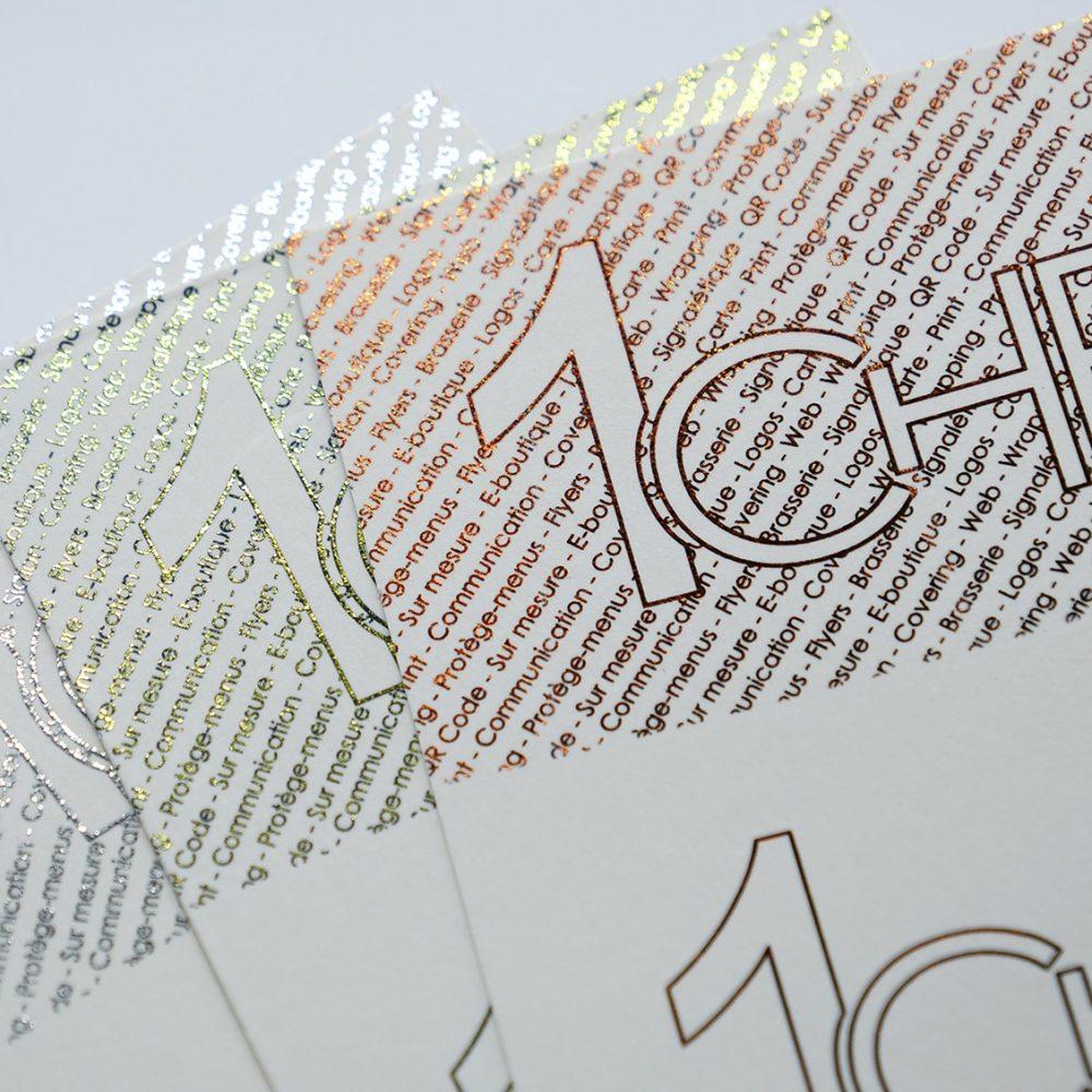 cartes de visite en dorure sur papier blanc