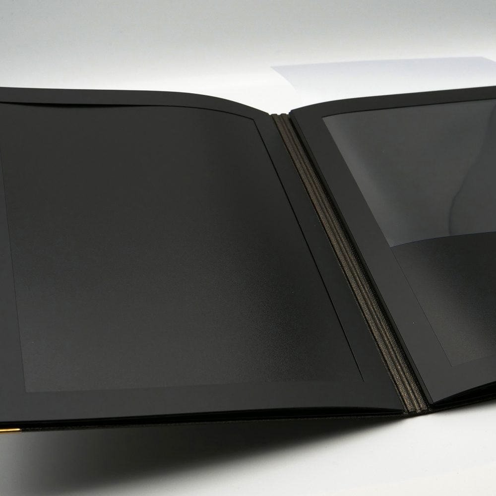 protege menu hybride pochette gastro et protection transparente